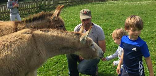 La ferme en famille au Pays Basque