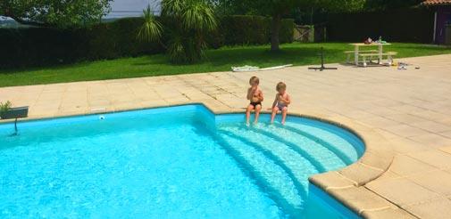 Une piscine pour la famille au Pays Basque